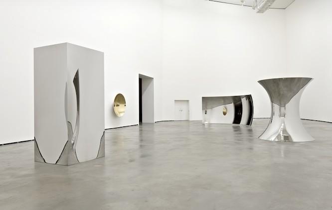 Anish Kapoor Installation view Guggenheim, Bilbao, 2009-2010